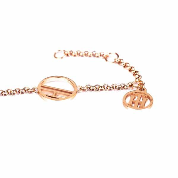 Ružovo zlaté šperky sú obľúbenými kúskami bižutérie