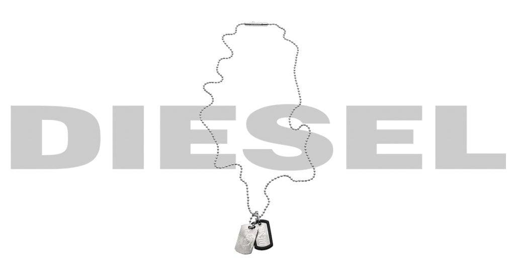Pánov poteší určite náhrdelník Diesel v striebornej farbe