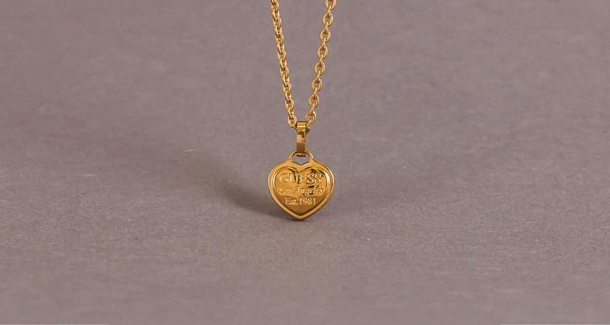 Vybrali sme najkrajšie šperky z ponuky značky Guess