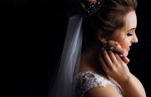 Pre aké náušnice na svadbu sa rozhodnúť? Poradíme vám s výberom